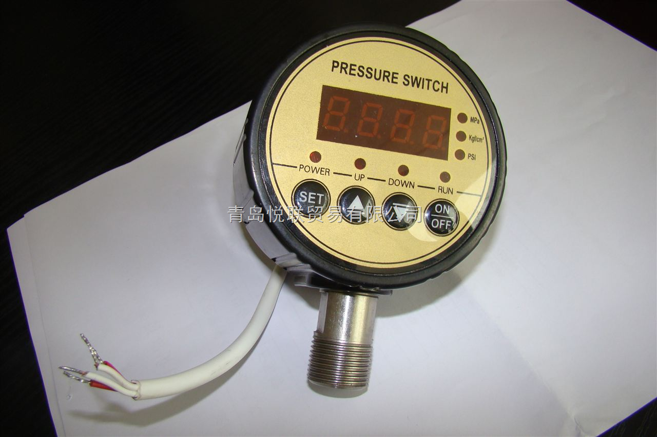 MD-S800数显压力控制器为电子压力开关,而且是可调式压力开关,集压力测量、显示、控制于一体的多功能智能开关。当压力达到预定值时输出控制信号,接通或关闭被控设备,实现自动化控制的目的,可作为液位控制器,液压压力开关。 用于测量各种气体,液体等酸碱介质的压力,同时可设置报警点,实现压力连续测量和开关量控制。当压力达到预定值时输出控制信号,接通或关闭被控设备,实现自动化控制的目的。该产品具有精度高、迟滞小、响应快、性能稳定可靠、易操作和安装简便灵活的优点,是微电脑技术用于压力自动控制的高技术产品。 广泛用于