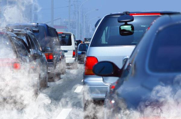 大连市每年汽车尾气检验不合格的车辆在30万台左右,其中黄标车占7万辆