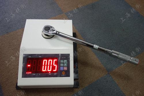 非标定制的力矩扳手校验仪
